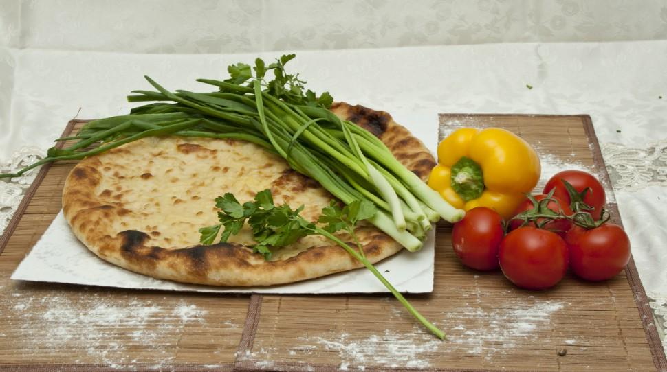 Пироги с картошкой и зеленым луком в духовке рецепт
